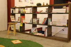 Potari_bookshelf